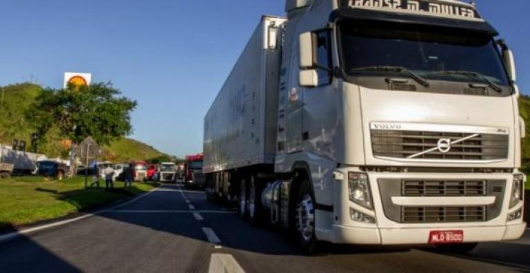 O que mudou na jornada de trabalho dos motoristas caminhoneiros?