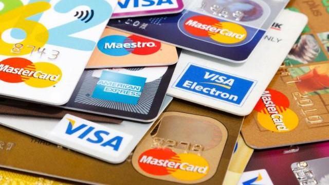 Questões legais do cartão de crédito no Brasil.